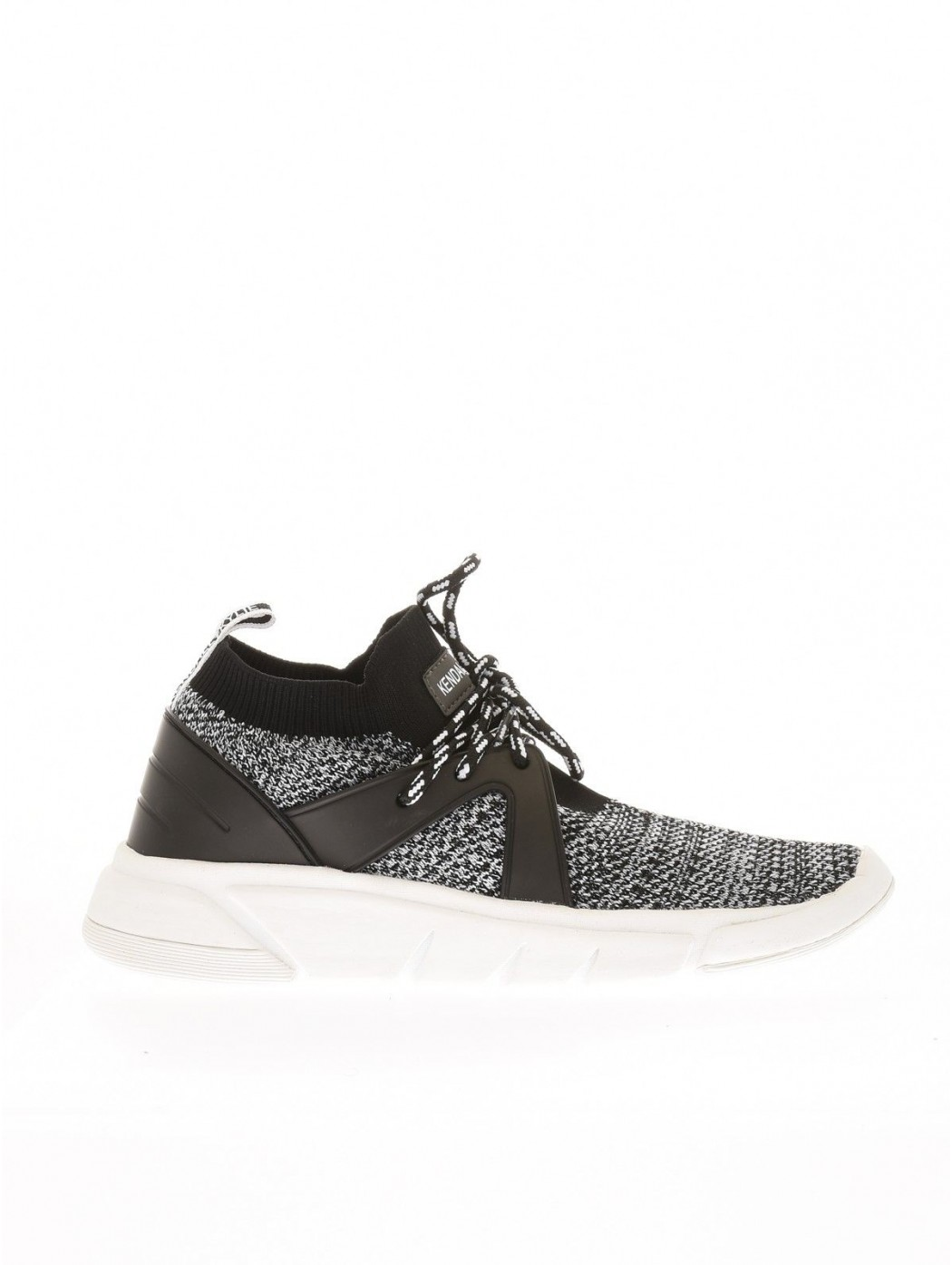 KENDALL + KYLIE KKCONQUER WHITEBLACK SNEAKERS