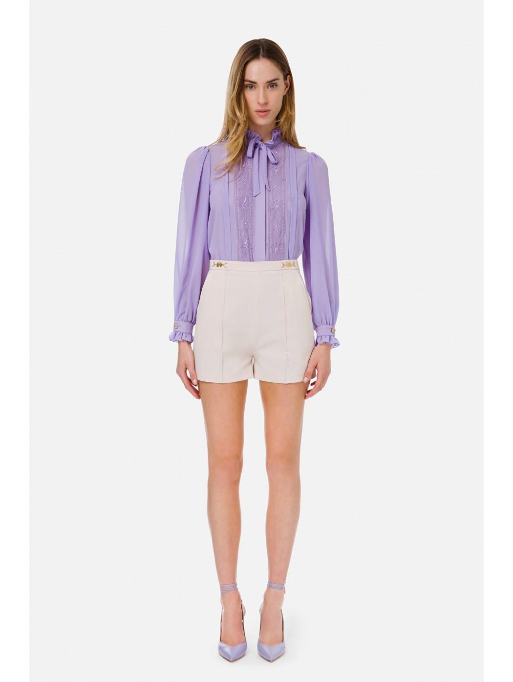 Shorts in ottoman con...